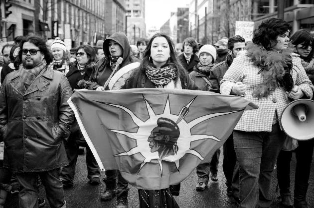 Pendant les manifestations Idle No More, Montréal 2013. Crédit photo : Jérémie Battaglia