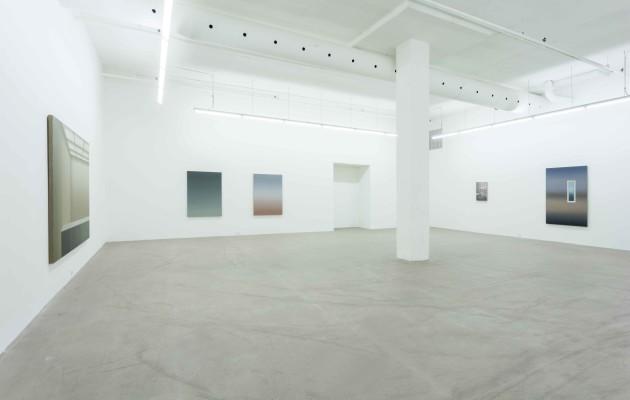 Vue de l'exposition Pierre Dorion, Galerie René Blouin, du 31 octobre au 19 décembre 2015. De gauche à droite: Sans titre (VGM) - 2015, Dusk VI - 2015, Dusk V - 2015, Sao Paolo (Mondrian's studio) - 2015 et Ouverture VI - 2015. Crédit photo : Richard-Max Tremblay