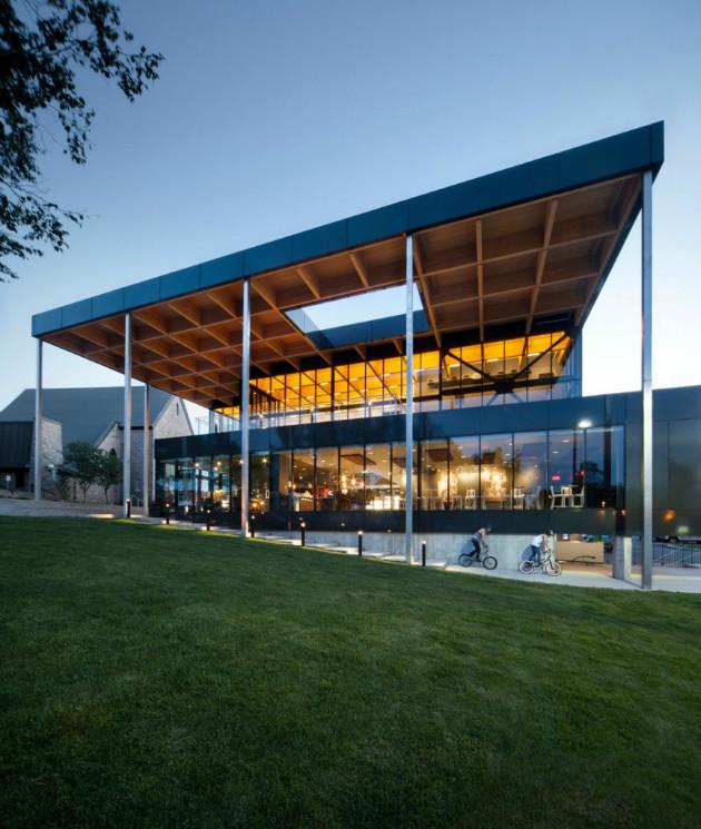 La salle de spectacles multifonctionnelle de Mont-Laurier par les architectes FABG. Crédit photo : Steve Montpetit.