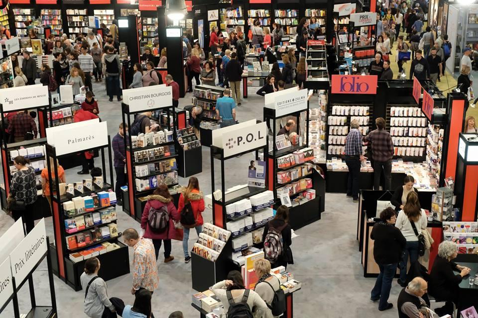 Photos des kiosques au Salon du livre de Montréal Source : page Facebook du Salon du livre de Montréal
