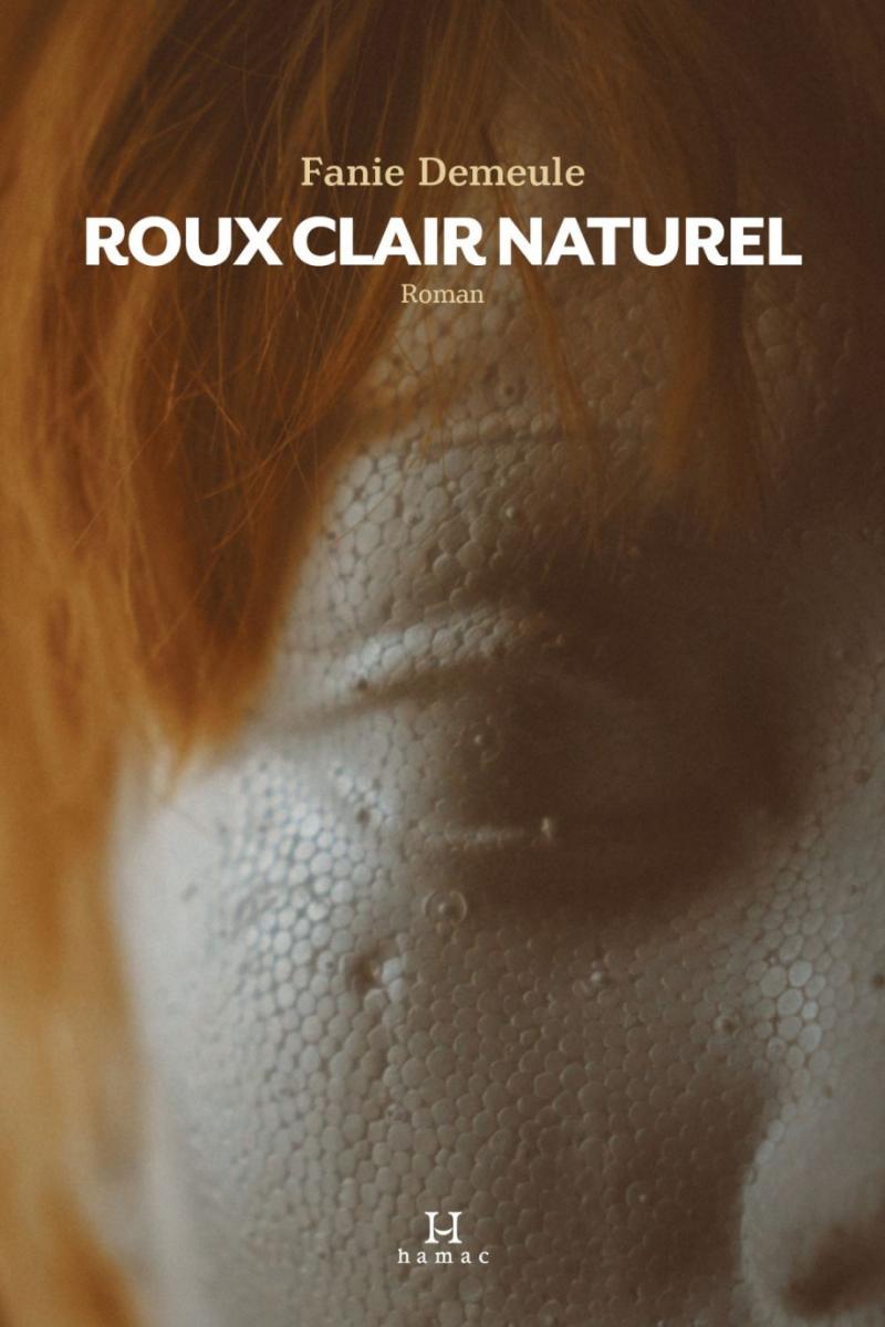 La couverture montrant l'apparence lézardée de la narratrice. Source: Les libraires